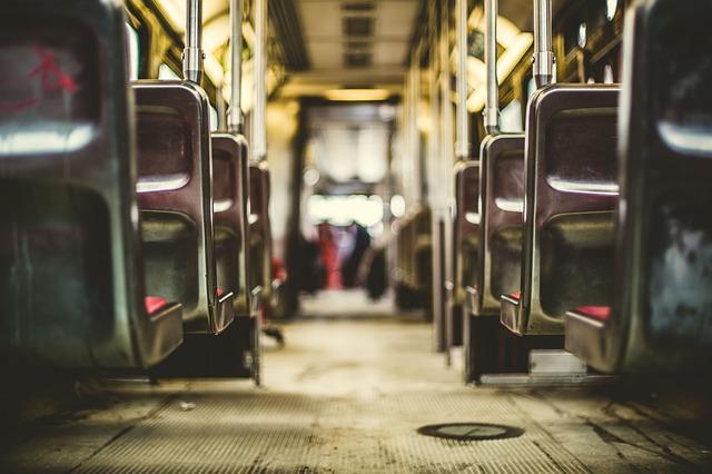 sedačky autobusu