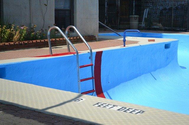 Viete ako zazimovať bazén?