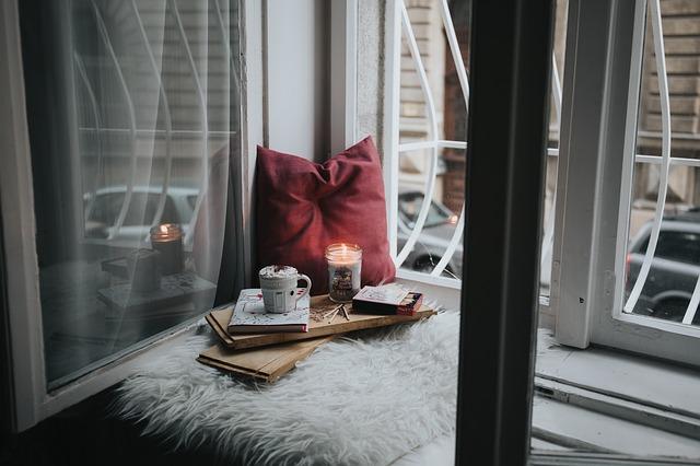 sviečka domov kniha.jpg