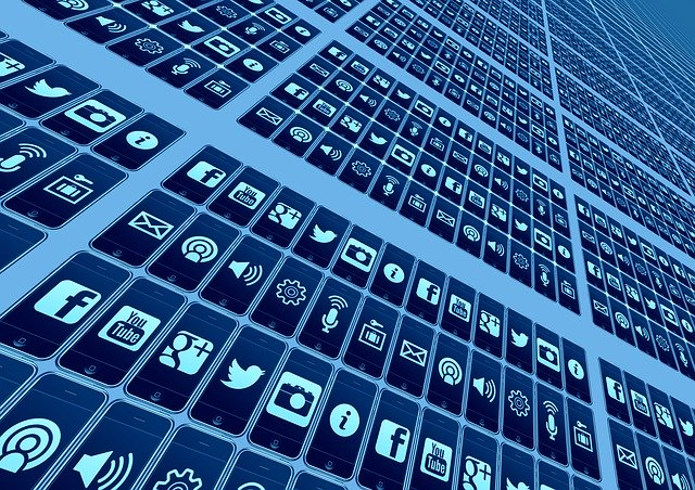 sociálne siete a stránky.jpg
