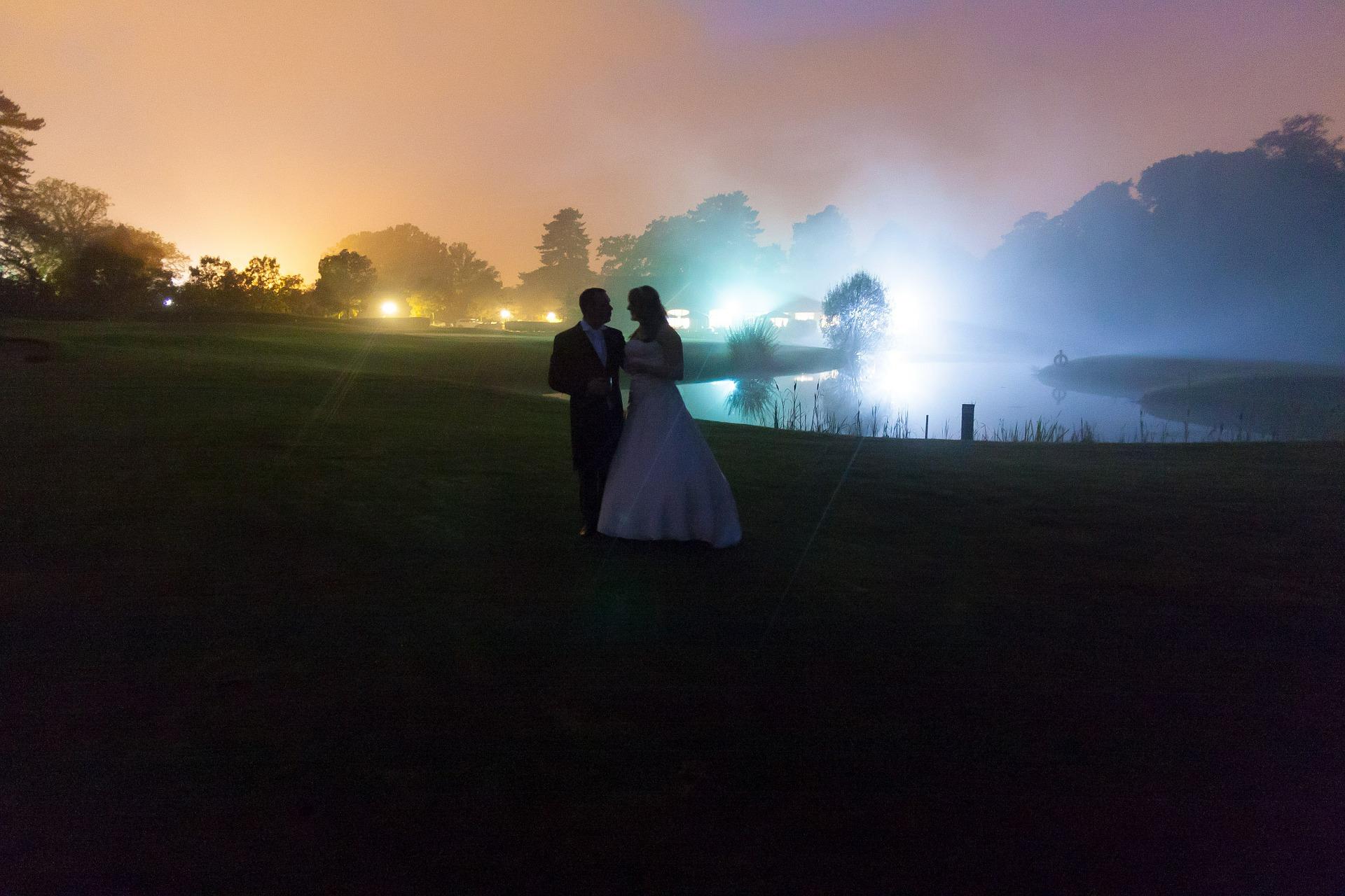 wedding-588436_1920